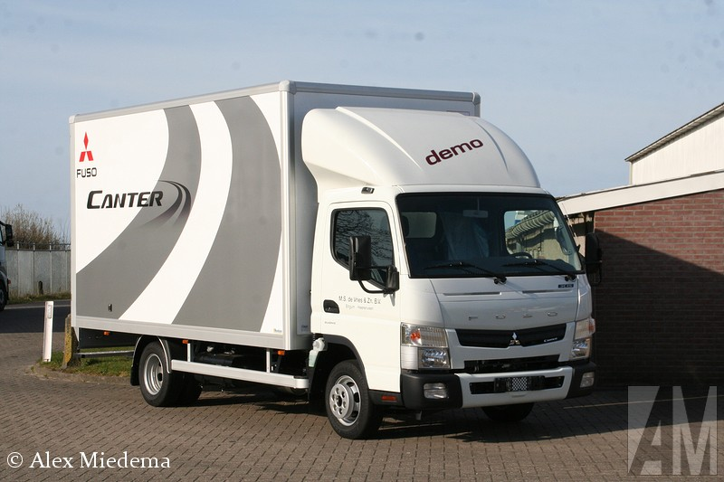 Fuso Canter  U0026quot Light Truck Of The Year 2015 U0026quot