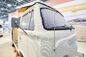 Volkswagen T2 Bulli made of 400,000 LEGO bricks - Alex Miedema